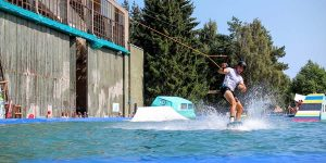 beginner's guide to wakeboarding